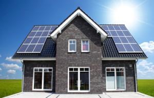 Photovoltaikanlagen - Vergütung von Solarstrom ab 2017; Bild: Mark Mumm / pixelio.de