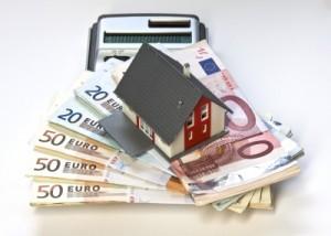 Baugeld-Rechner für die Finanzierung - Foto: Thorben Wengert / pixelio.de