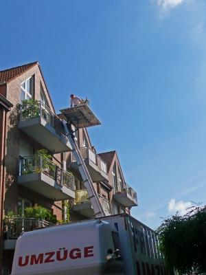 Umzug in ein neues Zuhause; Foto: Gabi Schoenemann / pixelio.de