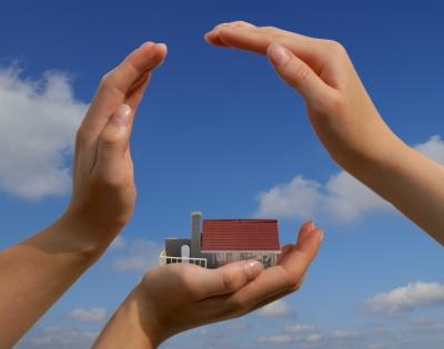 Hausratversicherung & Wohngebäudeversicherung; Foto: Stephanie Hofschlaeger/pixelio.de