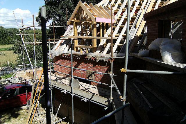 Energetische Gebäudesanierung; Foto: flickr.com / Martin Pettitt