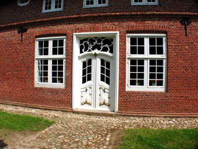 Die richtige Tür; Foto: Anne Bermüller / pixelio.de