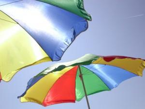 Sonnenschirm - Highlight mit Sonnenschutzgarantie; Bild: Manfred/pixelio.de