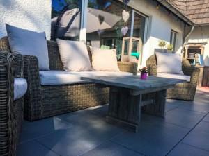 Terrassenüberdachung bauen oder kaufen; Bild: sillilein74  / pixelio.de