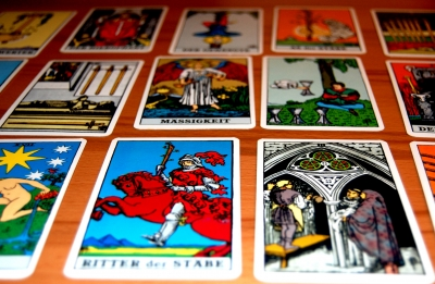 Tarot und Kartenlegen; Bild: sassi / pixelio.de