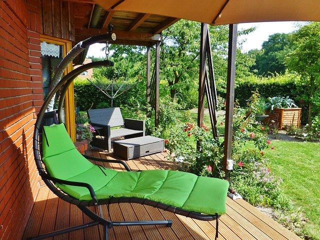 WPC Terrassendielen sind die Werkstoffalternative zu massiven Holzdielen.