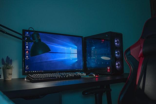 Das perfekte Gaming Zimmer; Photo by Balkouras Nicos on Unsplash