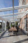 Praktischer Sonnenschutz im Sommer für den Wintergarten