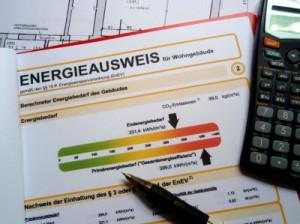 Der Energieausweis; Bild: ehuth / pixelio.de