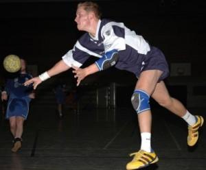 Handball; Bild: N.Schmitz / pixelio.de