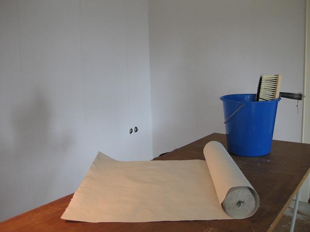 Wohnraum selbst tapezieren – das ist nicht schwer!