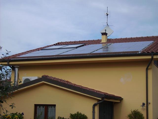 Heizen mit Solarenergie; Kombination von Solarthermie und Photovoltaik