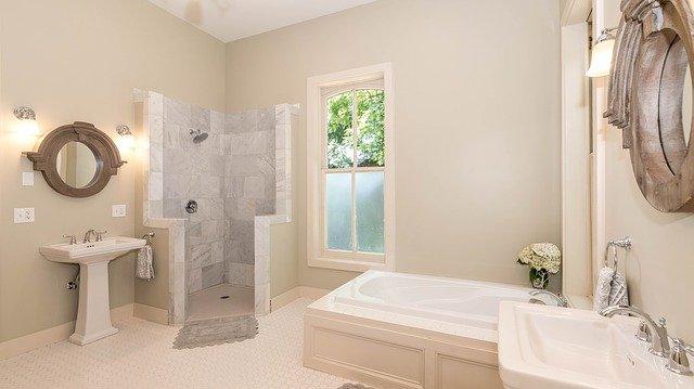 Barrierefreie Duschen mit dem richtigen Duschrinnensystem
